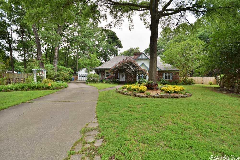 3 Crown Point, Conway, AR 72034