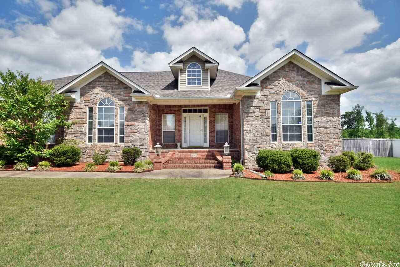 180 Aikman Pass, Conway, AR 72034