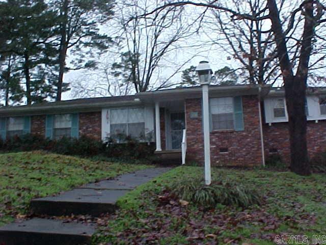 32 Brookview Drive, Little Rock, AR 72209