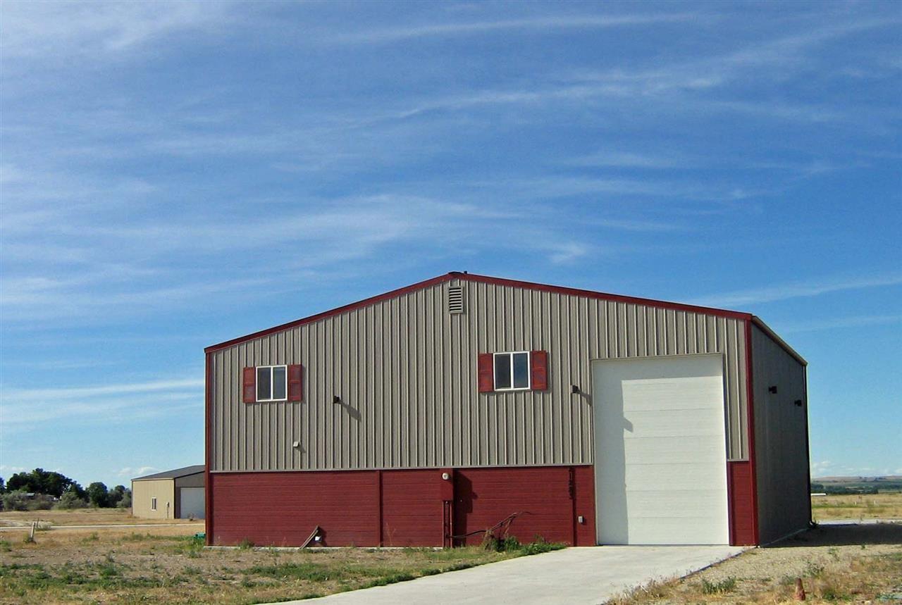Casa Unifamiliar por un Venta en 21283 Cessna Court 21283 Cessna Court Greenleaf, Idaho 83626