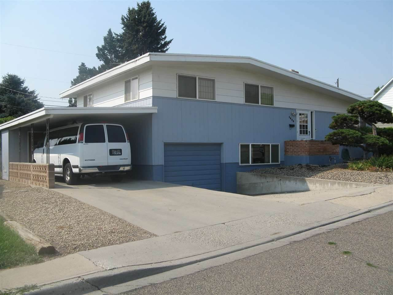 1040 W Idaho Ave, Ontario, OR 97914