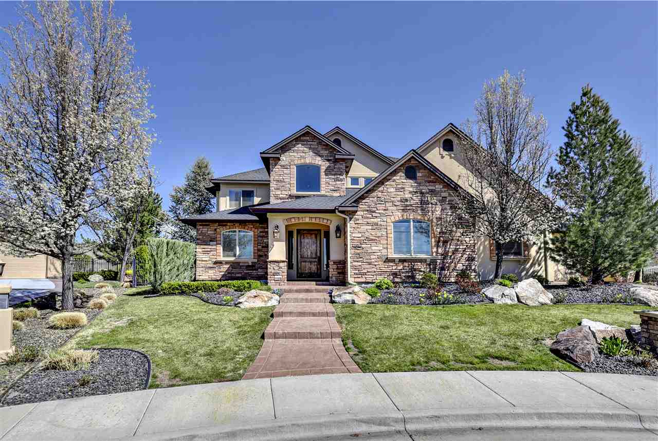 2114 W Falcon Point Ct, Boise, ID 83703