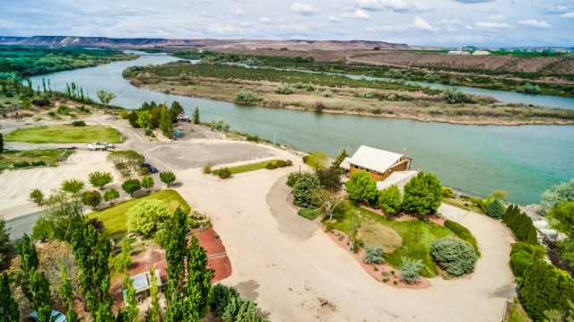 Single Family Home for Sale at 11800 Snake River B&B Lane Melba, Idaho 83641