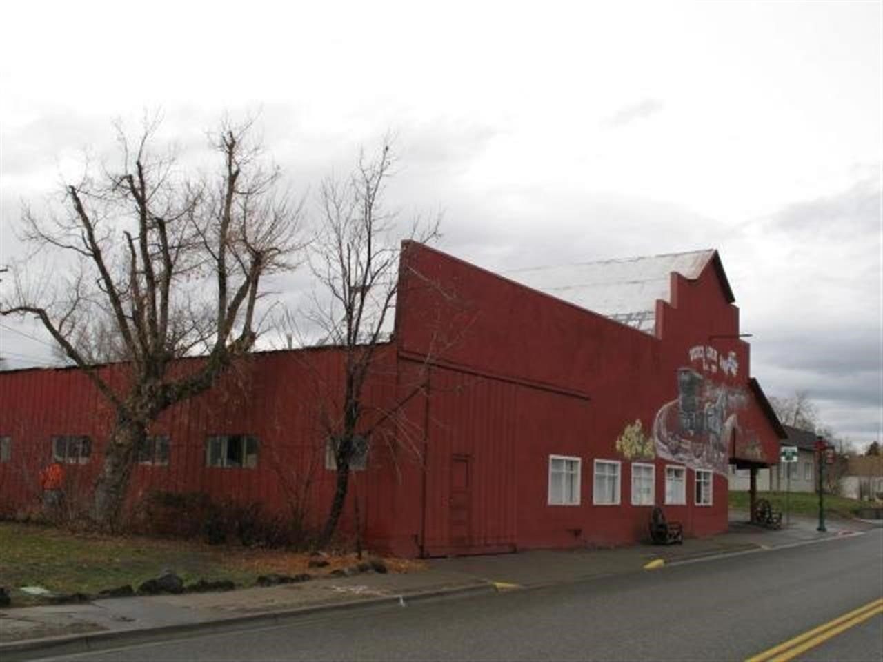 Commercial for Sale at 116 W 1st Ave 1 Glenns Ferry, Idaho 83623