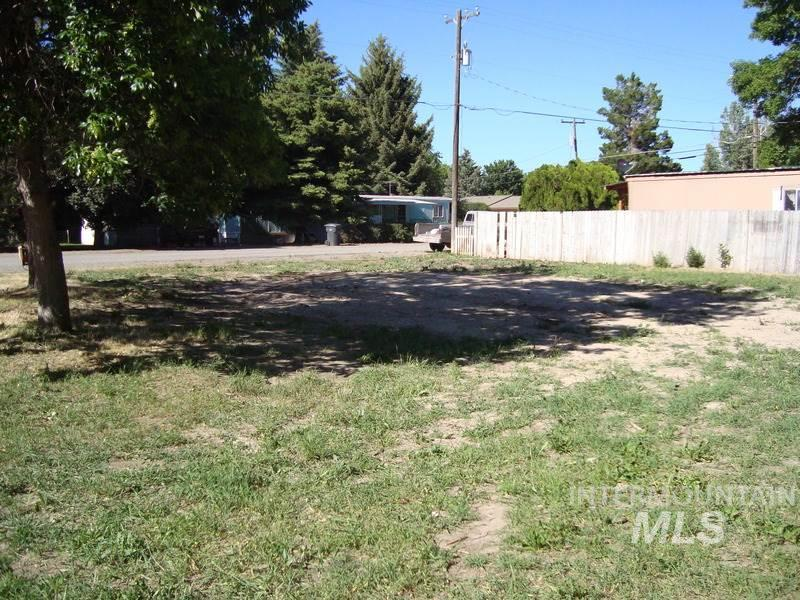 Additional photo for property listing at 324 N Carmen Street  Shoshone, Idaho 83352