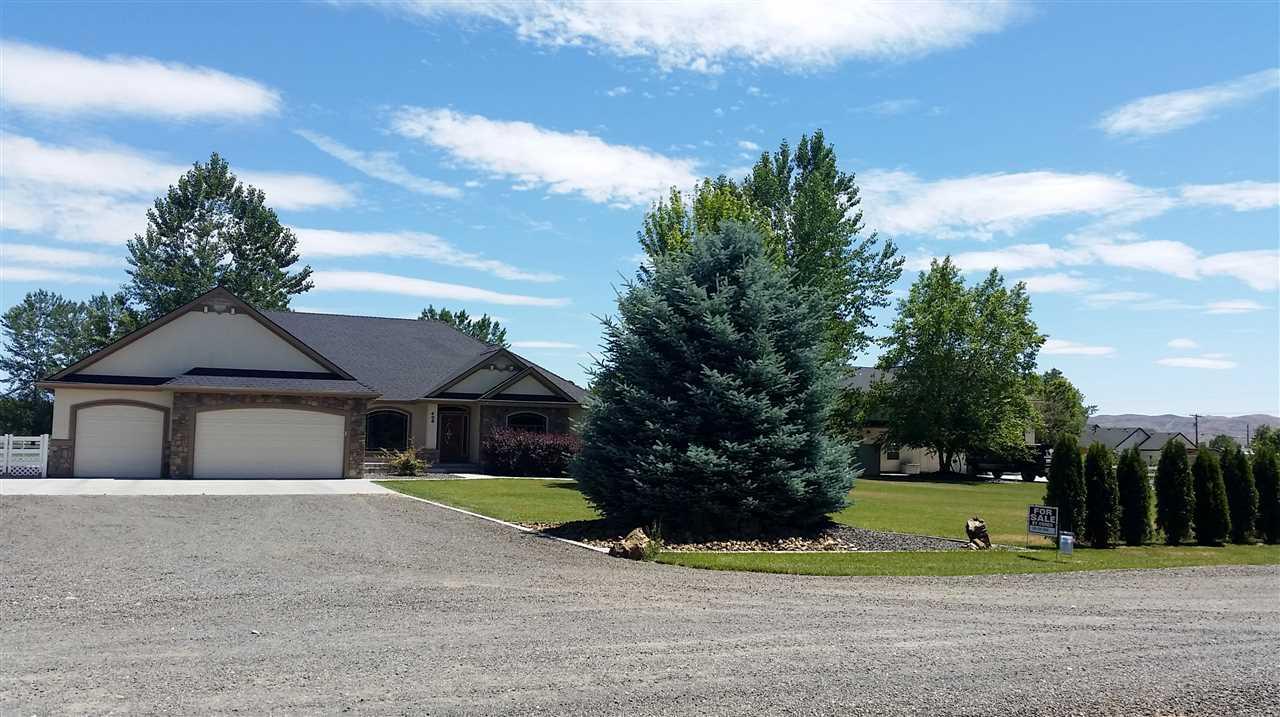 Single Family Home for Sale at 408 W Idaho Blvd Emmett, Idaho 83617