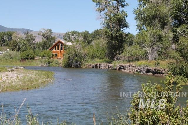 Single Family Home for Sale at 4390 Houston Road 4390 Houston Road Mackay, Idaho 83251