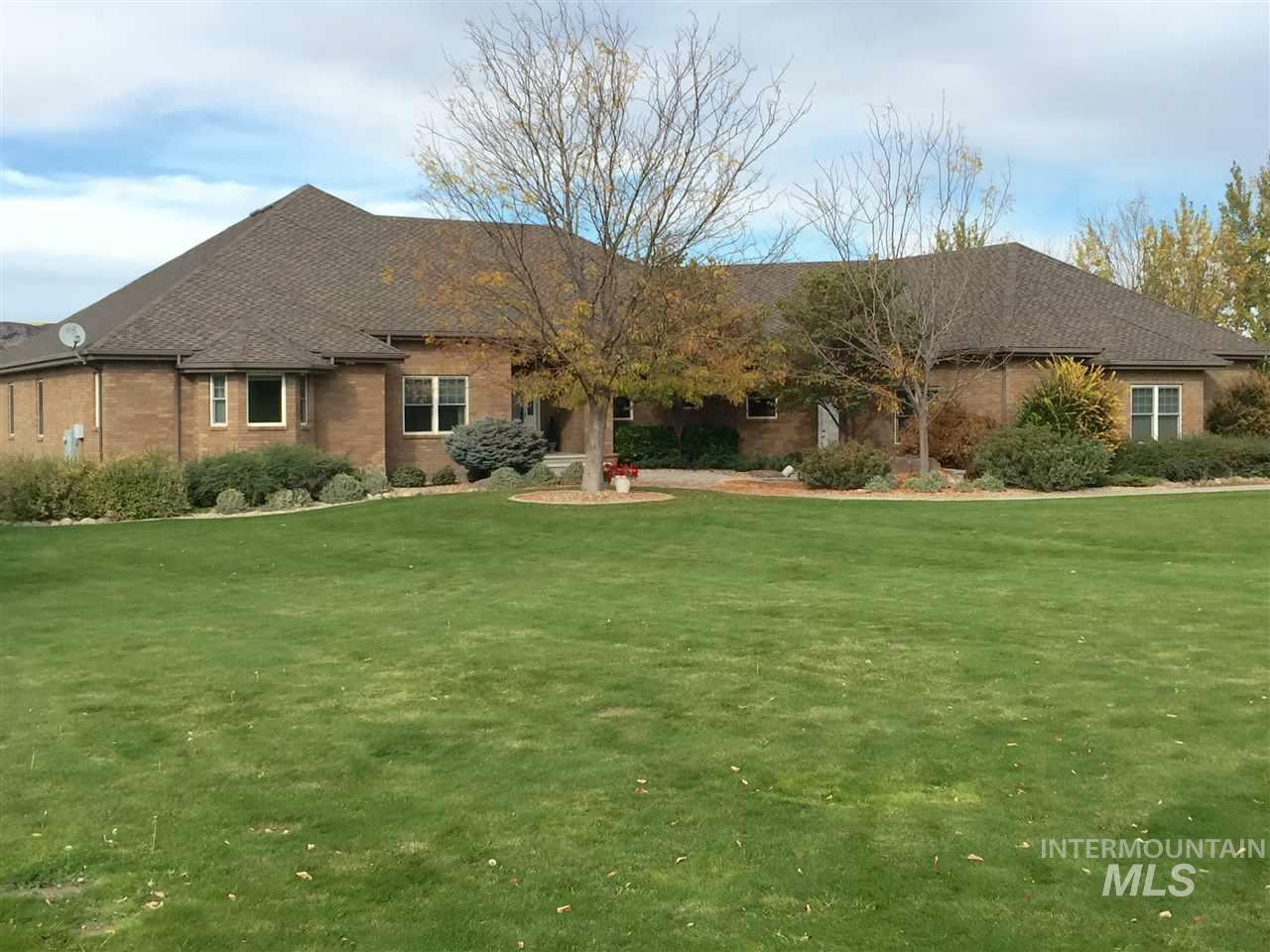 Single Family Home for Sale at 1304 Riverside Dr. 1304 Riverside Dr. Buhl, Idaho 83316
