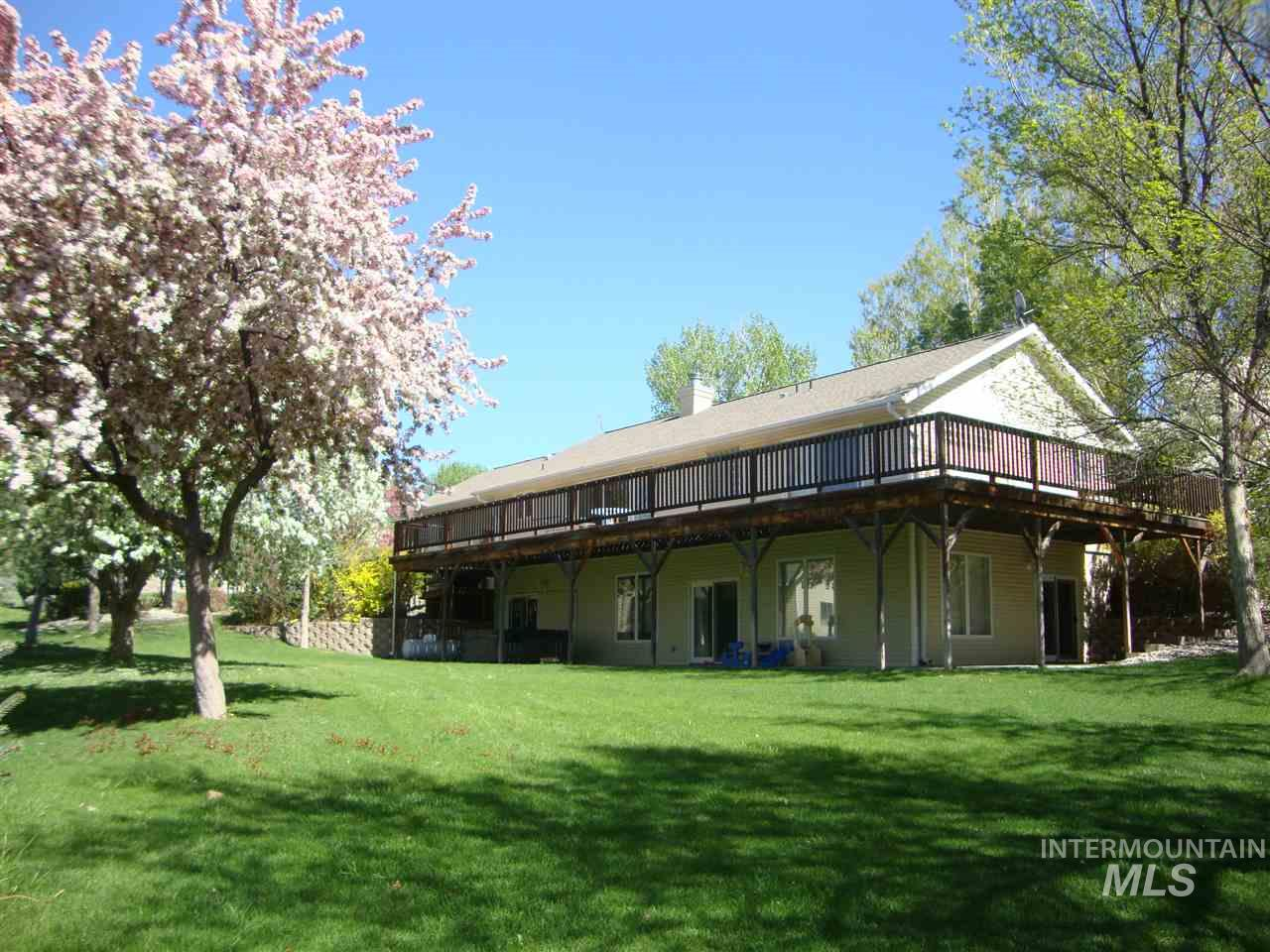 Additional photo for property listing at 4475  Silver Lakes Road 4475 Silver Lakes Road Buhl, Idaho 83316