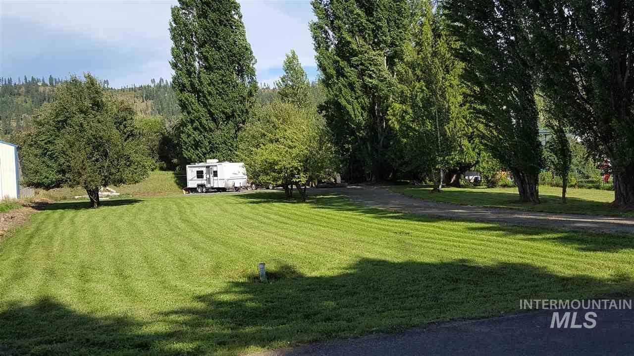 土地 为 销售 在 489 E Meadowhurst Drive 圣玛利斯, 爱达荷州 83861