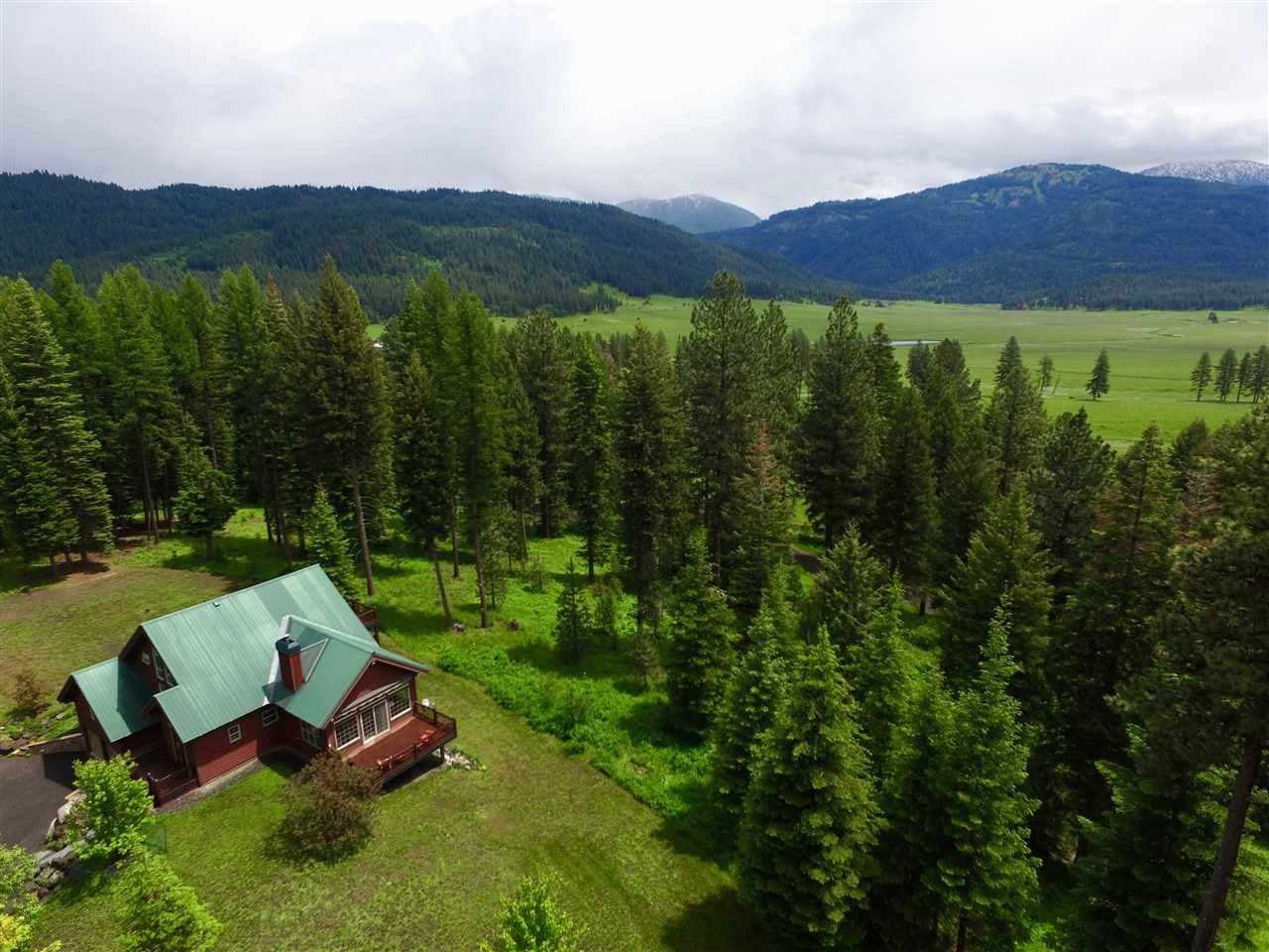 Casa Unifamiliar por un Venta en 2981 Round Valley Road New Meadows, Idaho 83654