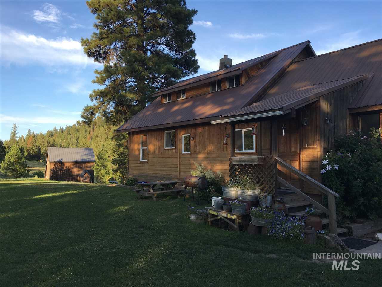 Single Family Home for Sale at 470 Haynes Lane Plummer, Idaho 83851