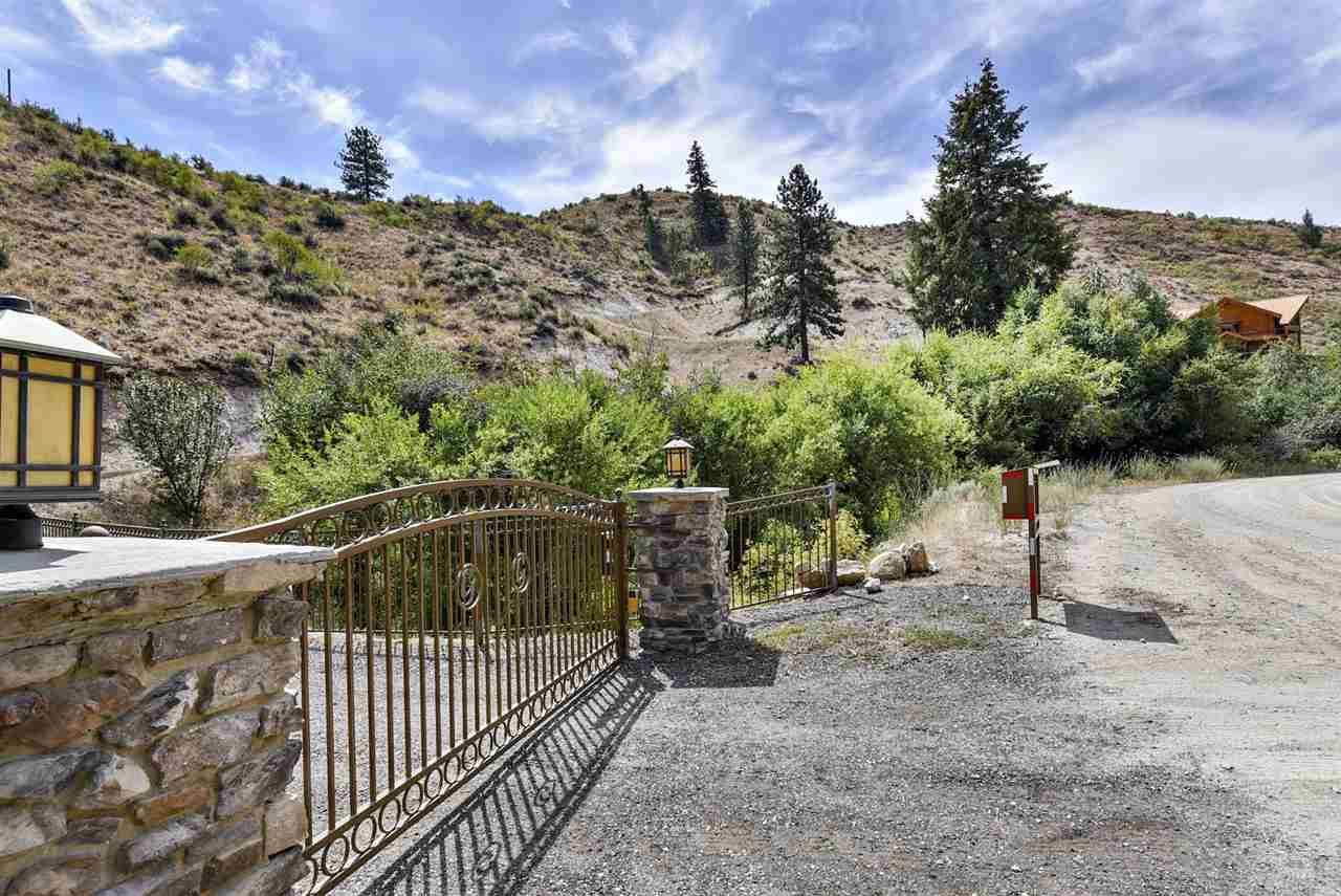 Additional photo for property listing at 15  Rocky Canyon 15 Rocky Canyon Boise, Idaho 83716