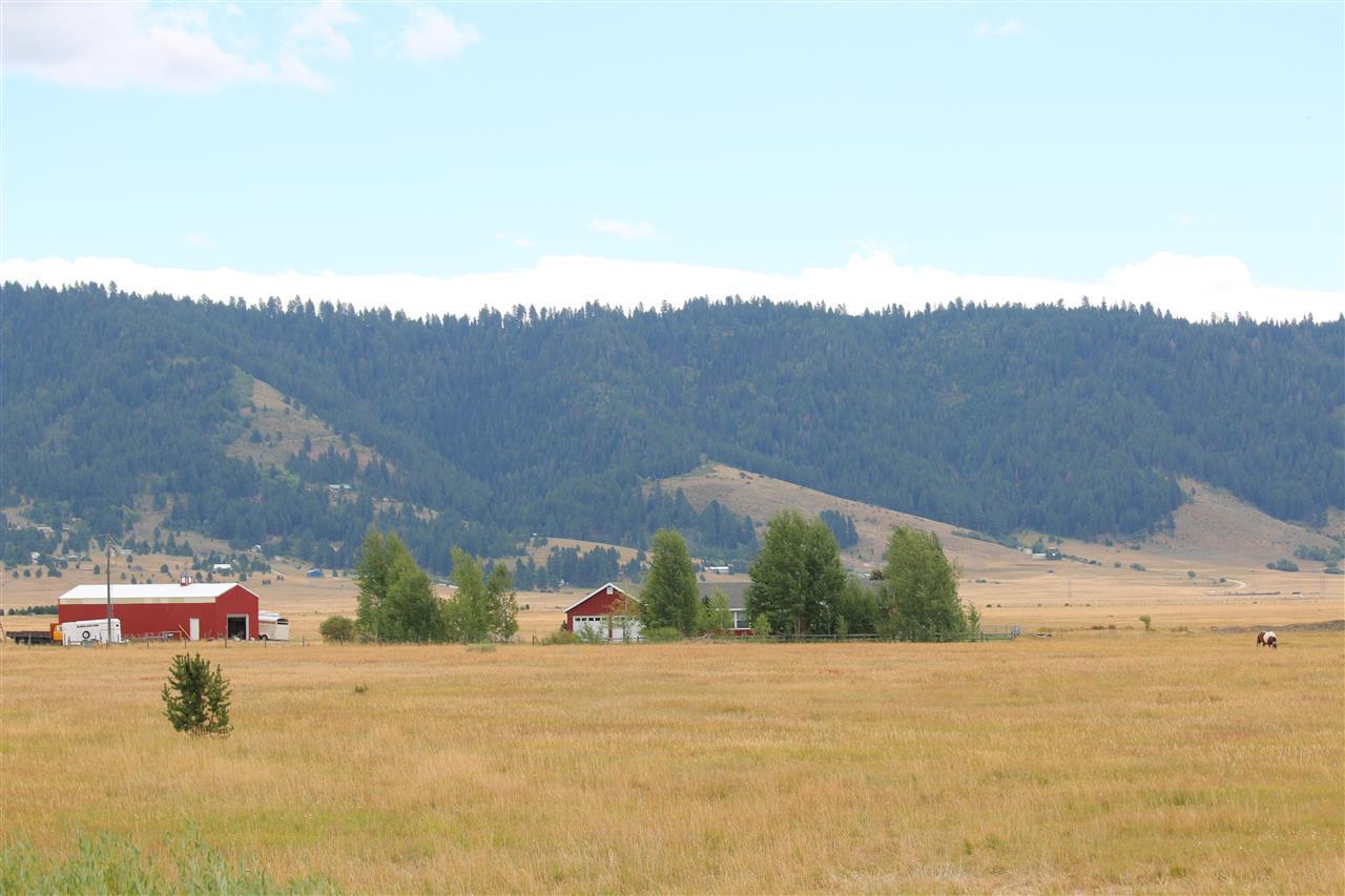 农场/牧场 为 销售 在 15 Sixty Lane Cascade, 爱达荷州 83611