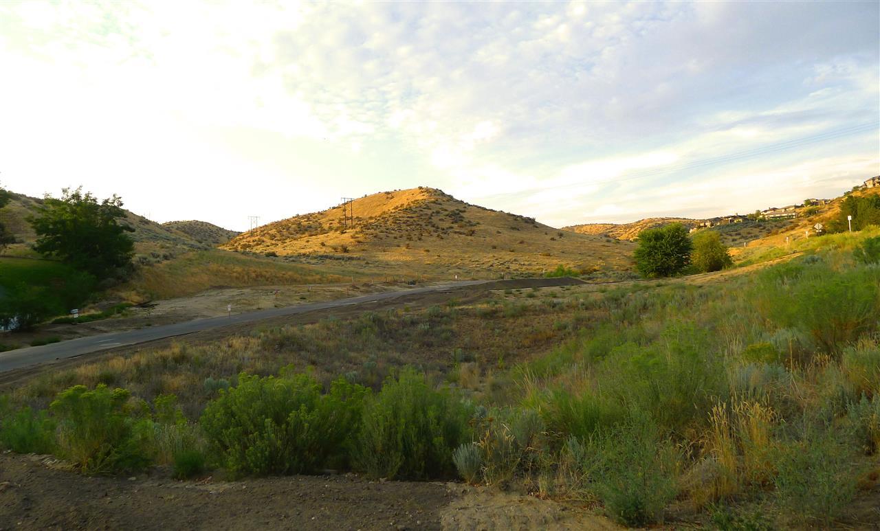 3761 N Horse Trail Lane, Boise, ID 83702