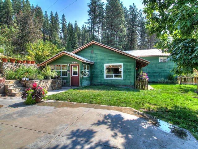 Casa Unifamiliar por un Venta en 126 Warm Springs Garden Valley, Idaho 83622
