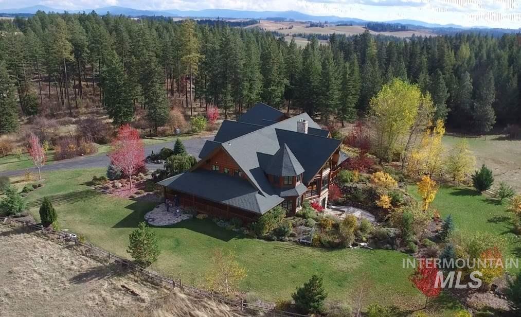 Casa Unifamiliar por un Venta en 1025 Pleasant Hill Road B 1025 Pleasant Hill Road B Troy, Idaho 83871