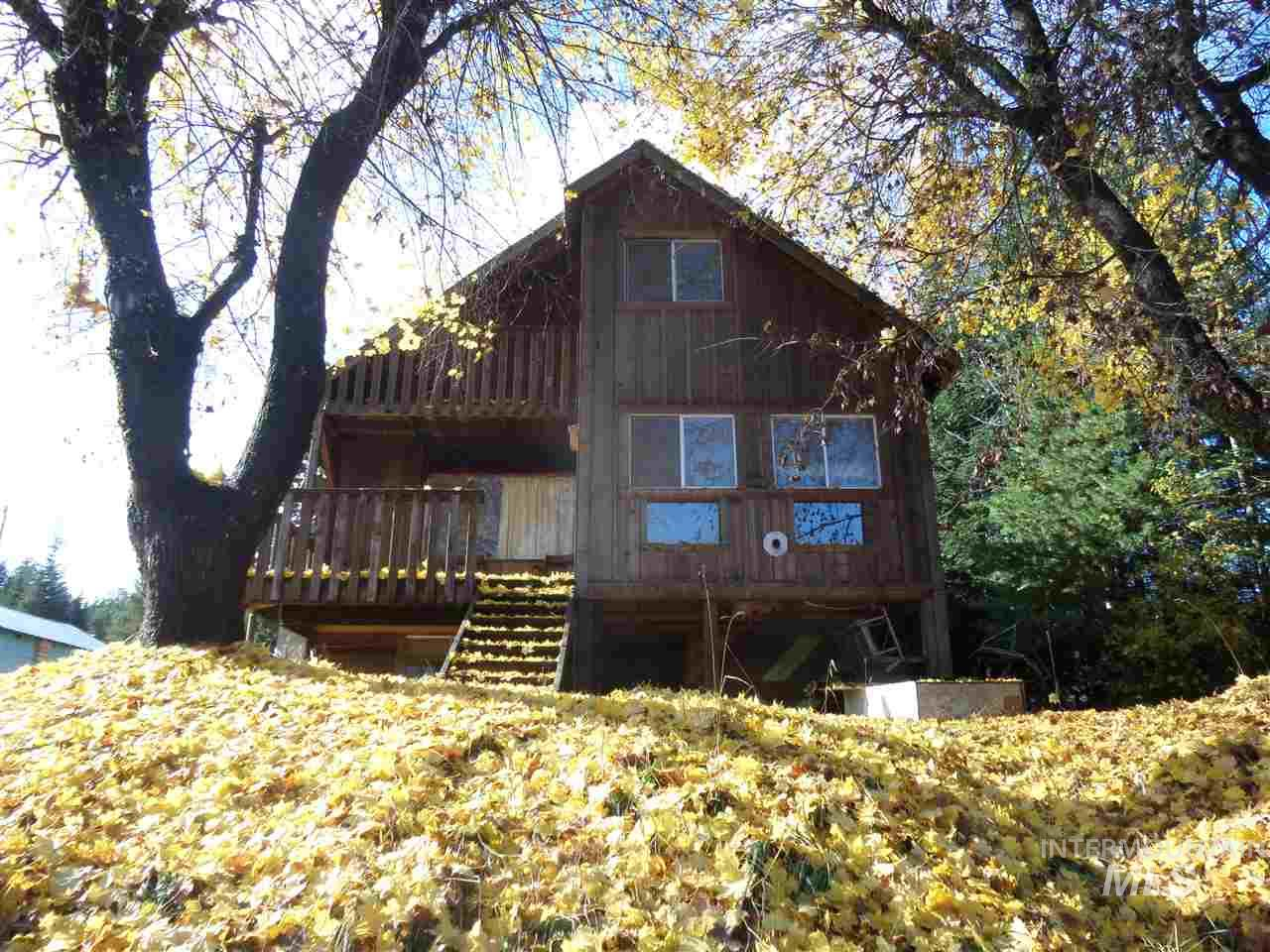 Single Family Home for Sale at 106 S 2nd St Elk River, Idaho 83827