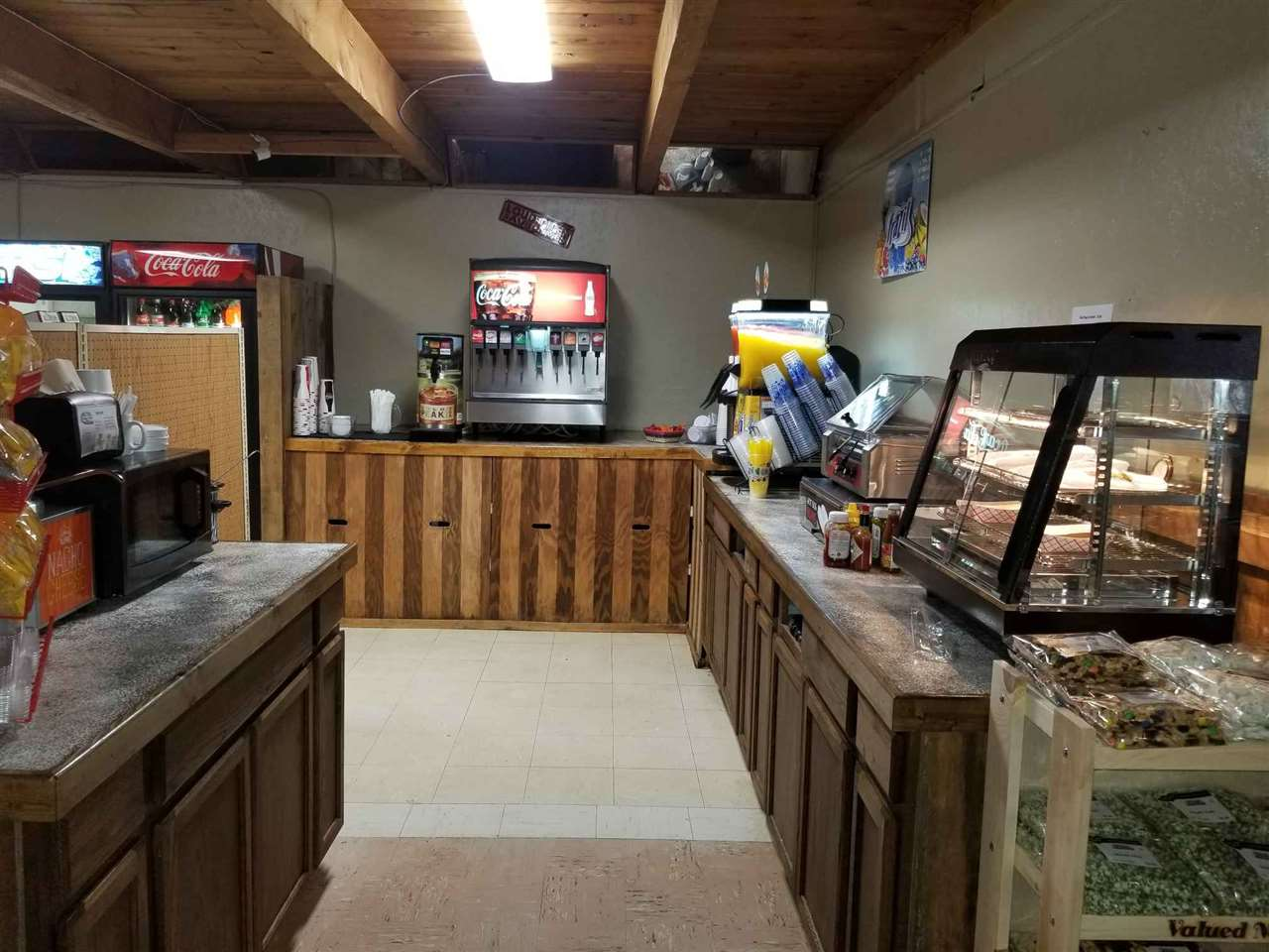 Additional photo for property listing at 10694 Highway 55 10694 Highway 55 Cascade, Idaho 83611