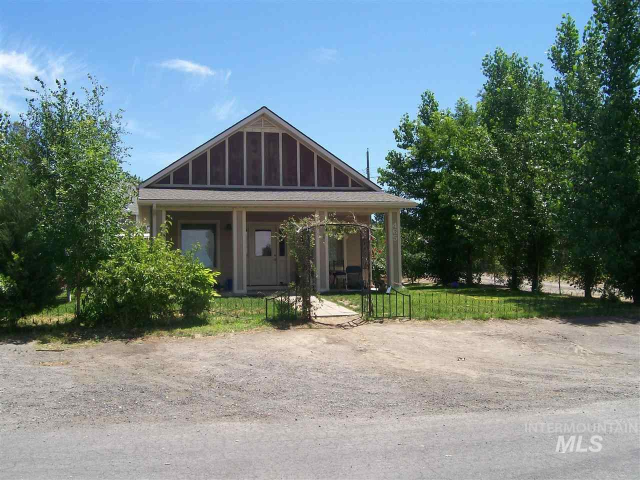 465 3rd Ave. North, Hagerman, ID 83332