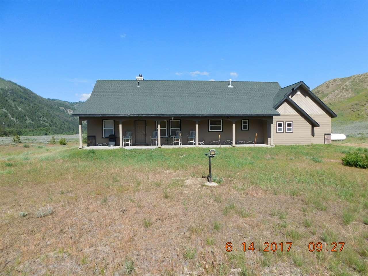 独户住宅 为 销售 在 5190 E Baumgartner Rd Featherville, 爱达荷州 83647