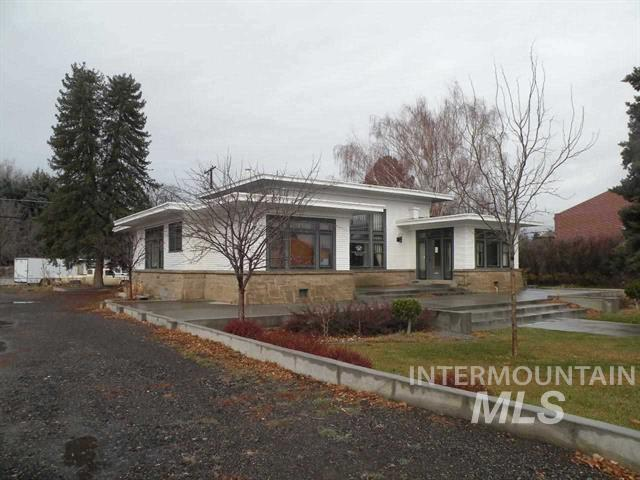 Single Family Home for Sale at 841 Main Street Gooding, Idaho 83330