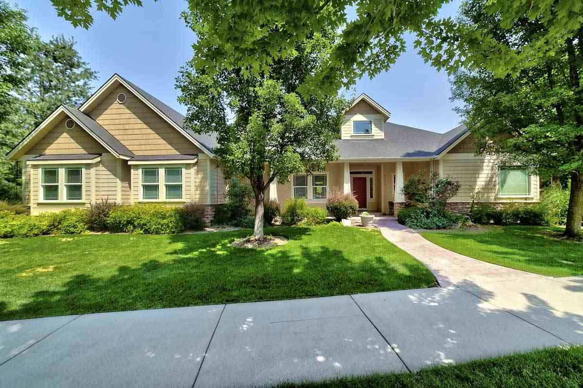 Single Family Home for Sale at 5088 W Hidden Springs Drive Boise, Idaho 83714
