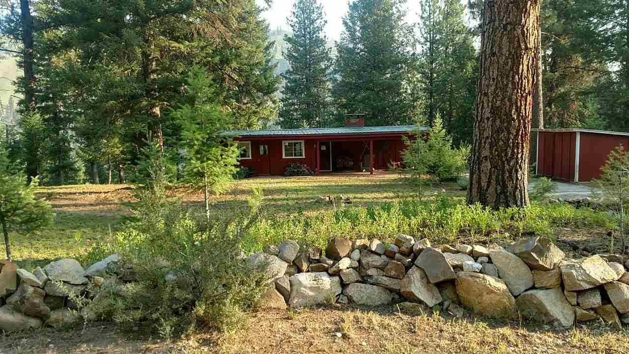 Single Family Home for Sale at 9 Red Fox Dr. Lowman, Idaho 83637