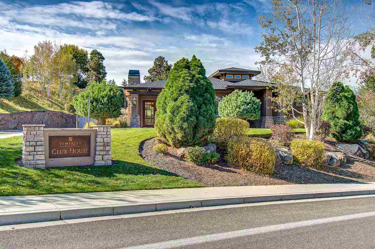 875 E Natures View Ct, Boise, ID 83702