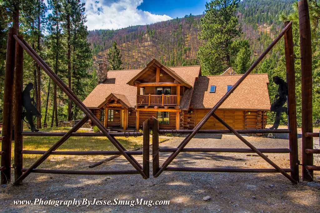 186 Hughes Creek Rd, North Fork, ID 83466