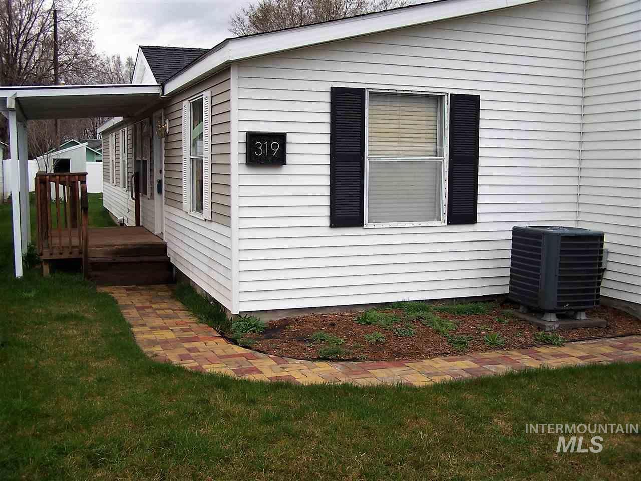 Single Family Home for Sale at 319 2nd Hazelton, Idaho 83335