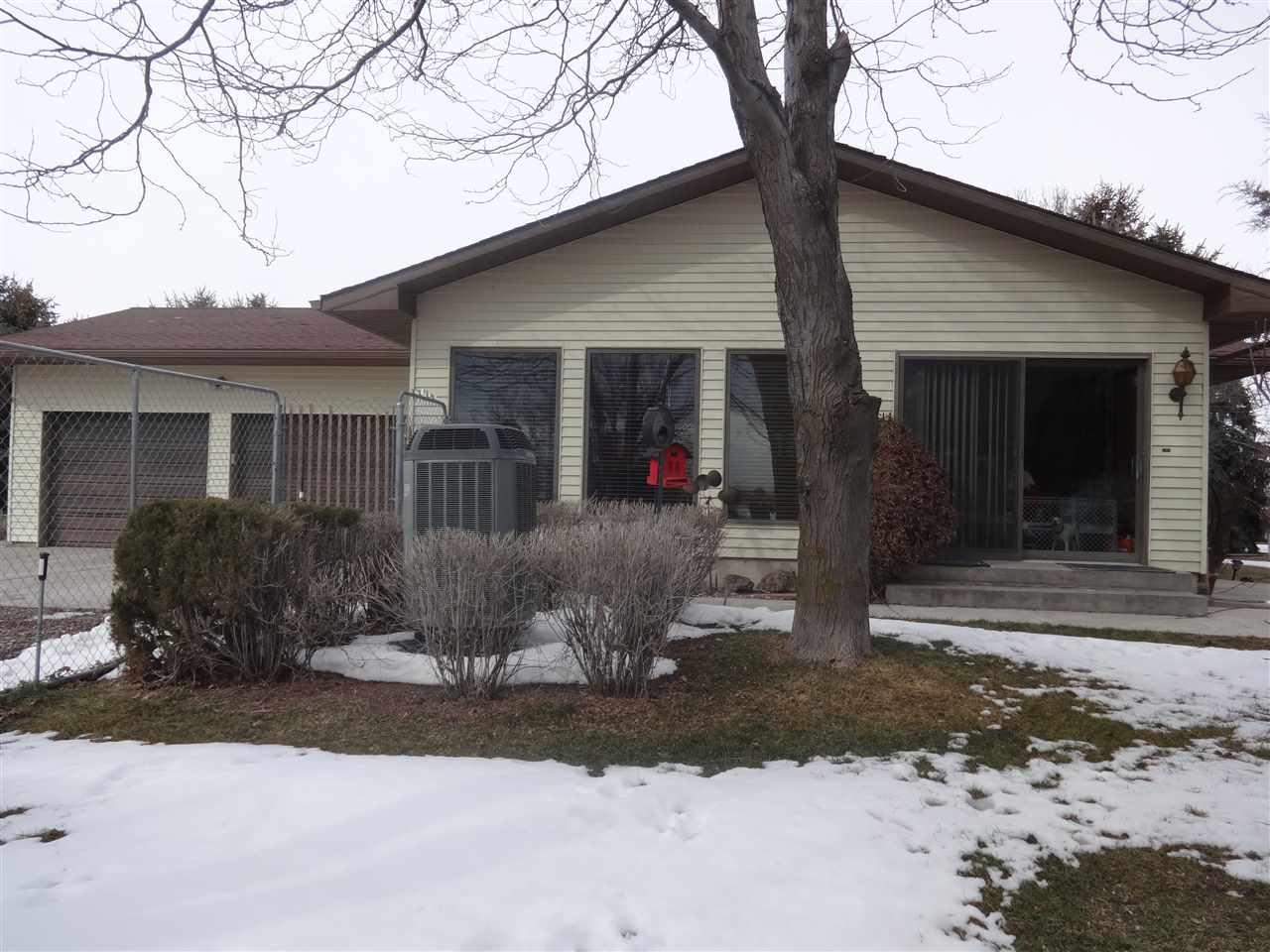 Casa Unifamiliar por un Venta en 92 S 1050 W. Paul, Idaho 83347