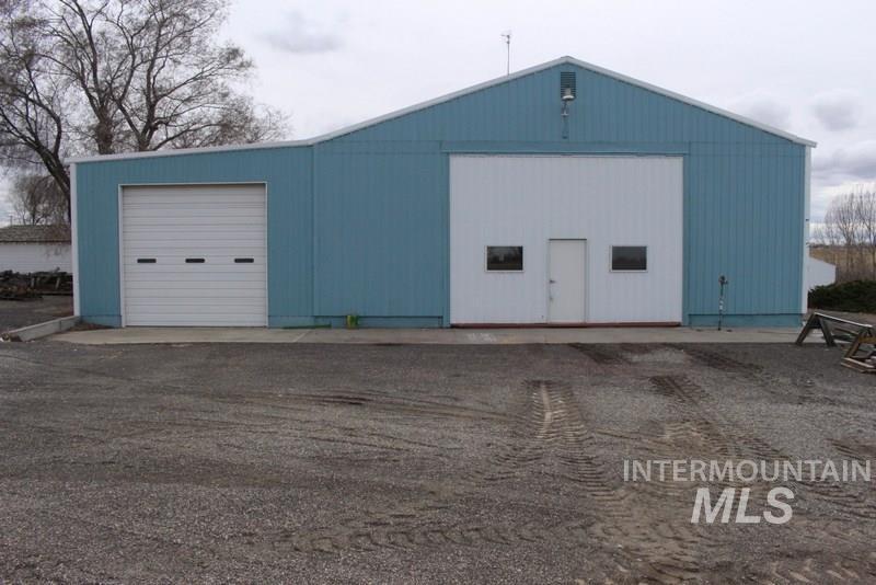 农场/牧场 为 销售 在 3987 N 1500 E 比镇, 爱达荷州 83316