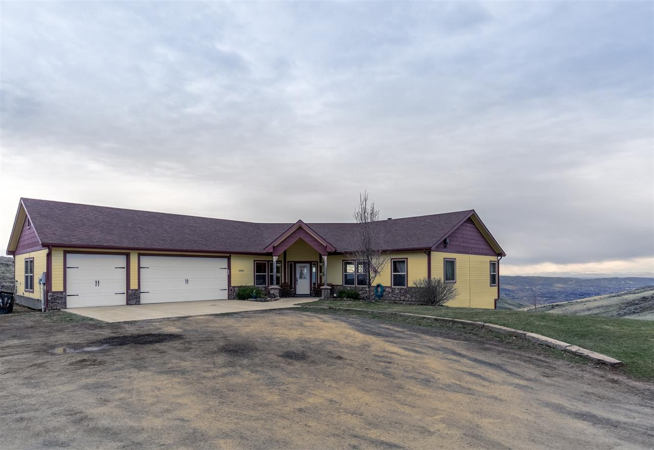 Single Family Home for Sale at 3645 Butte Road Emmett, Idaho 83617