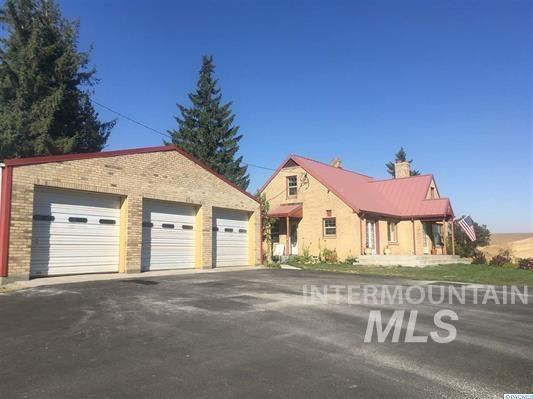 Single Family Home for Sale at 1252 Orville Boyd Road 1252 Orville Boyd Road Pullman, Washington 99163