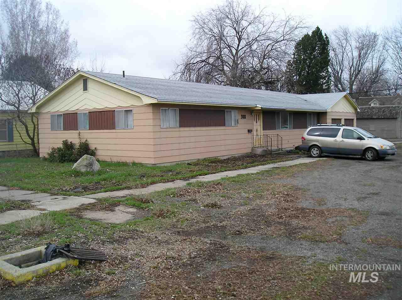 Single Family Home for Sale at 311 W 3rd Ave Gooding, Idaho 83330