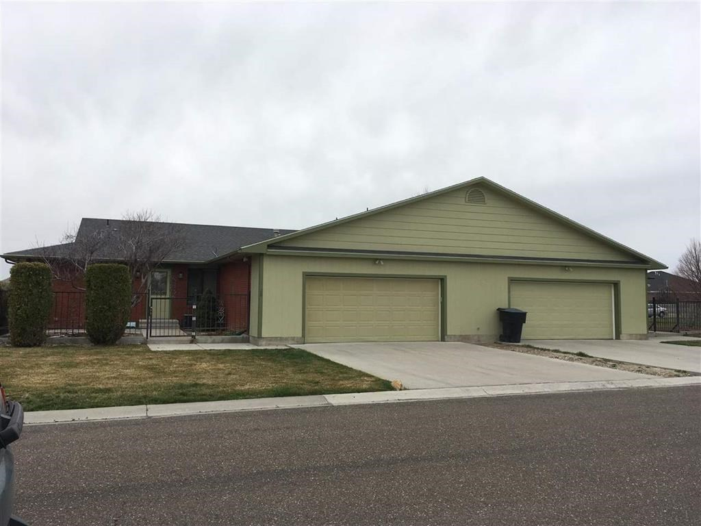 Multi-Family Home for Sale at 27 & 28 Meadowbrook Loop Burley, Idaho 83318