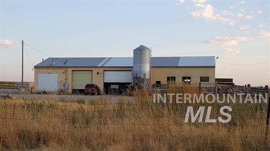农场/牧场 为 销售 在 3997 N 1300 E 比镇, 爱达荷州 83316