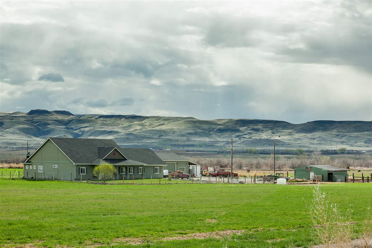 Farm / Ranch for Sale at 3695 Cemetery Road Marsing, Idaho 83639