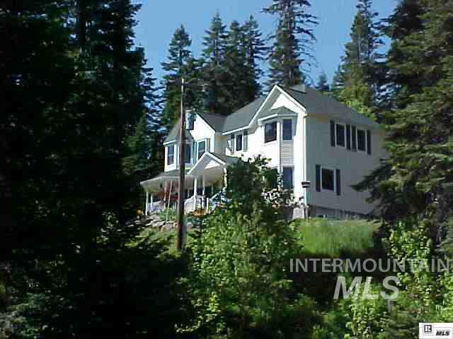 1055 Spring Valley Road, Troy, ID 83871