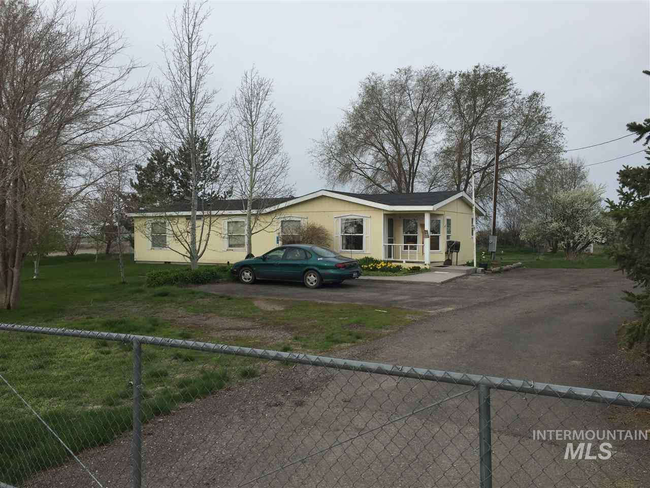Single Family Home for Sale at 3009 S 2000 E. 3009 S 2000 E. Wendell, Idaho 83355