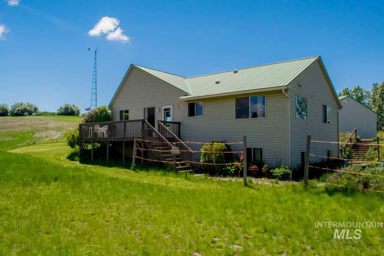 独户住宅 为 销售 在 1011 Rothwell Road Viola, 爱达荷州 83872