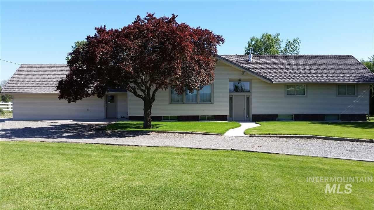 Single Family Home for Sale at 1883 E 1700 S Gooding, Idaho 83330