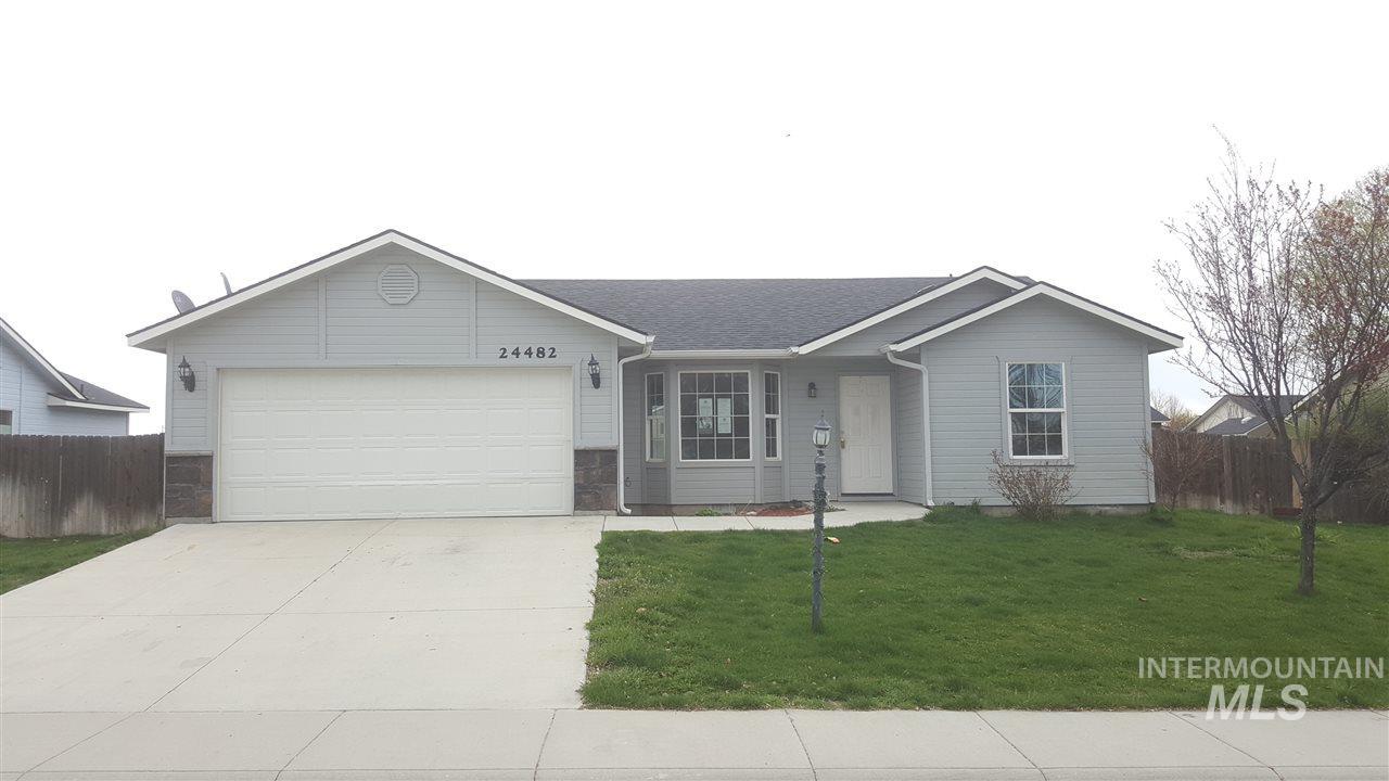 独户住宅 为 销售 在 24482 Chestnut St Notus, 爱达荷州 83656