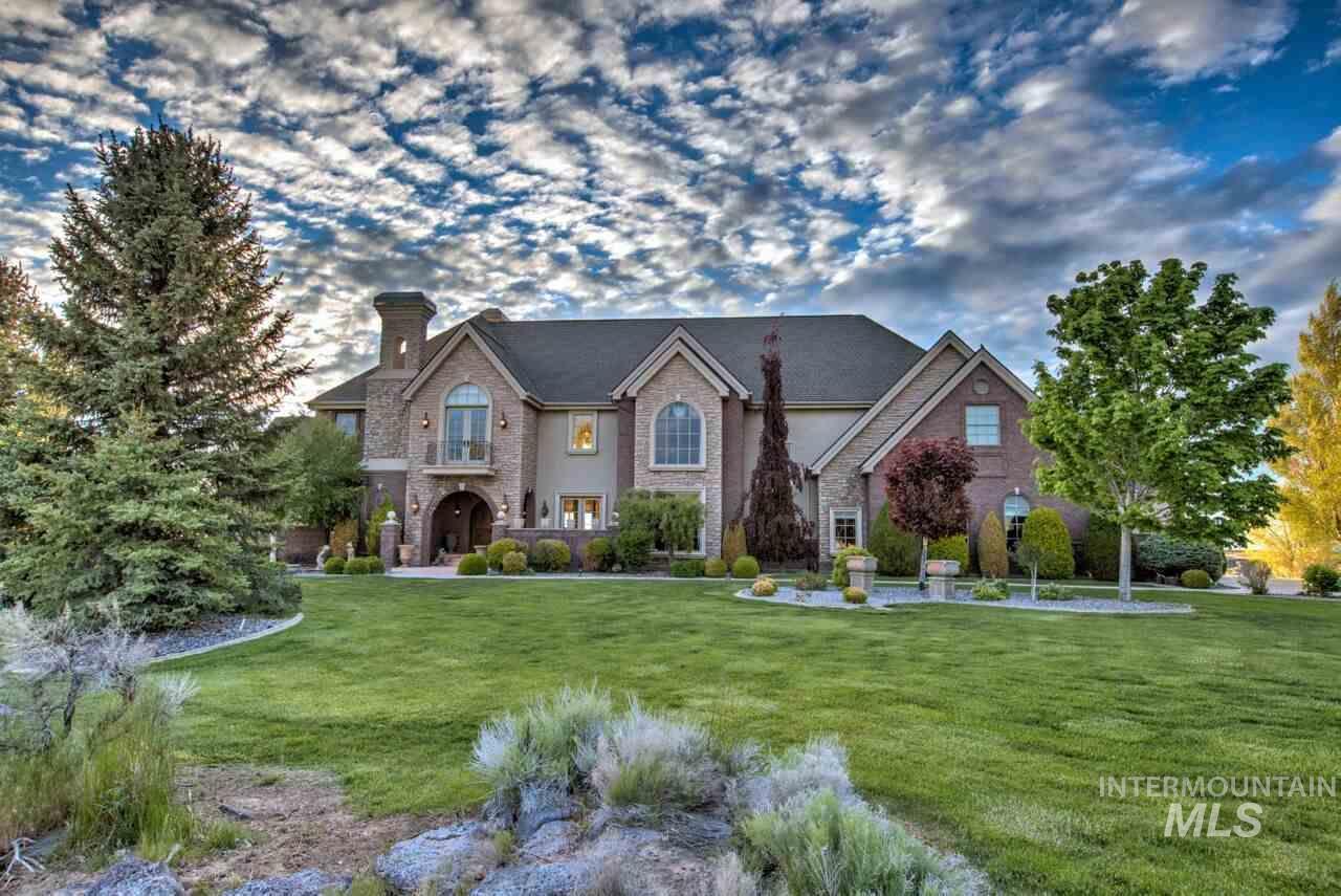 独户住宅 为 销售 在 3411 Canyon Cove Dr. Kimberly, 爱达荷州 83341