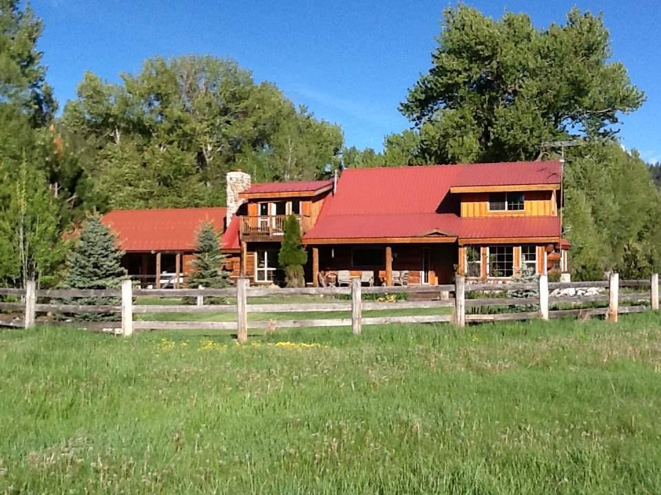 Casa Unifamiliar por un Venta en 159 Anderson Creek Road Garden Valley, Idaho 83622