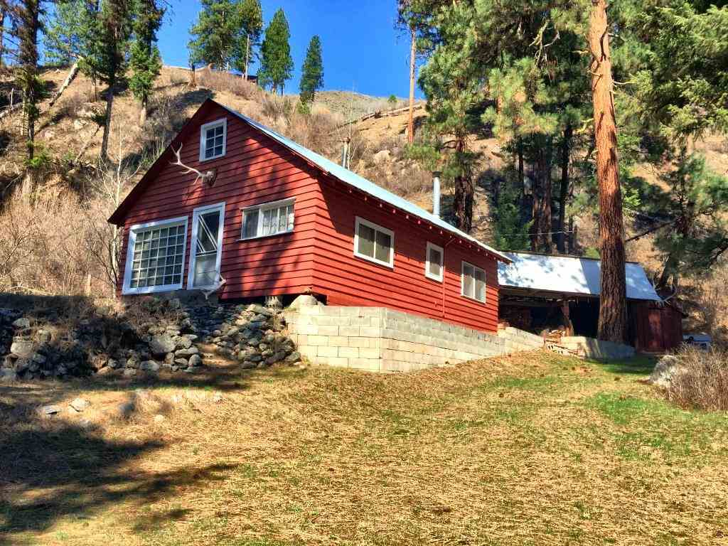 Single Family Home for Sale at 8046 Hwy 21 8046 Hwy 21 Lowman, Idaho 83637