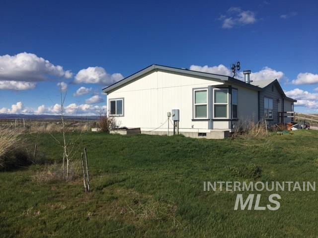 Single Family Home for Sale at 1274 Hwy 26 Bliss, Idaho 83314