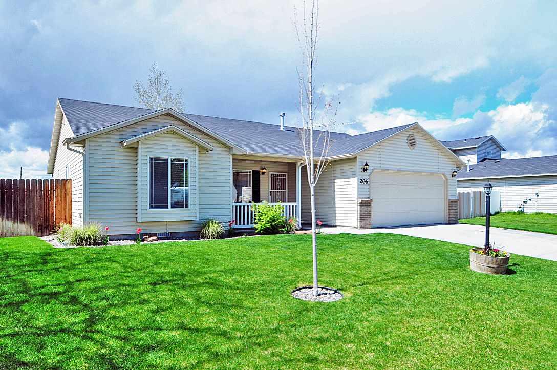 206 Silver Sage Way, Homedale, ID 83628