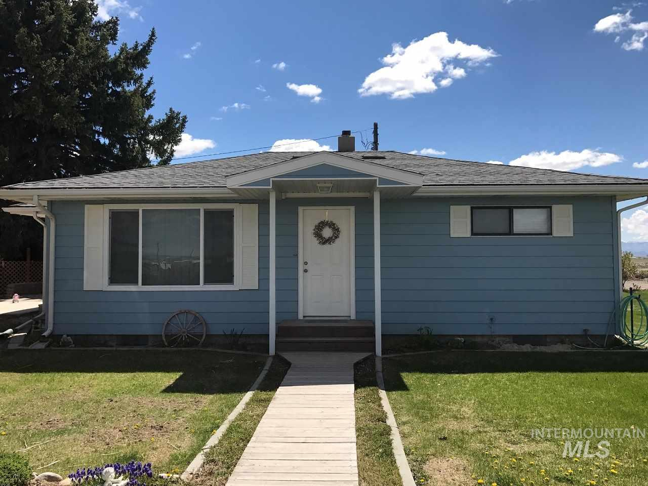 Casa Unifamiliar por un Venta en 2753 E 1010 S Hazelton, Idaho 83335